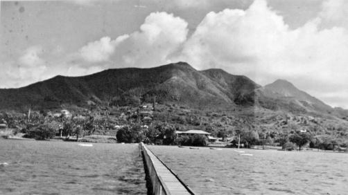 The long pier at Kokokahi.