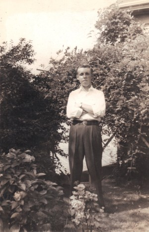 Arthur Sundgren in 1942, age approximately 16. Photo from Ancestry.com