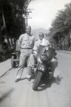 """Hank Deloof – MP and me. Kahului, Maui"""