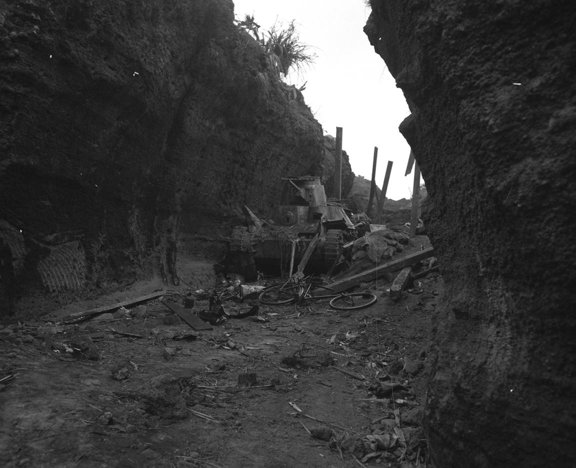 Lowery_Hill382_Tank